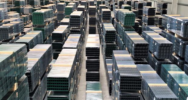 Mehr als 50.000 Zaunpfosten auf Lager