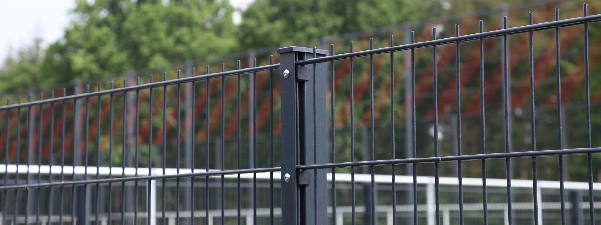 Zaun und Zaunpfosten