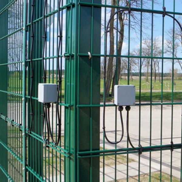 Elektronisch überwachter Zaun INOVA PeriNet Auswerter von Berlemann